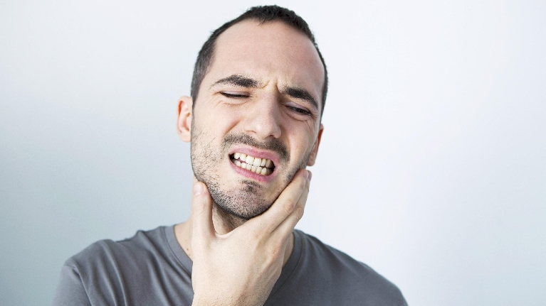 Man with Toothache | Dentist Milwaukee WI